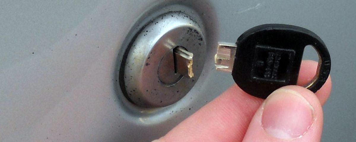Cara Memperbaiki Lubang Kunci Macet Dengan Cepat