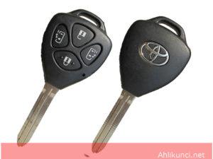 Kunci Mobil Toyota 4 Tombol Gaya Baru